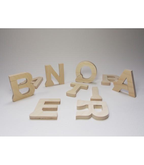 Písmená A-Z, čísla 0-9, stojace a hrubé 12 mm